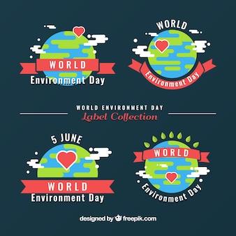 Set van vier dagetiketten wereld omgeving met linten en harten