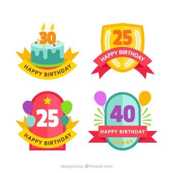 Set van vintage verjaardags badges in plat ontwerp
