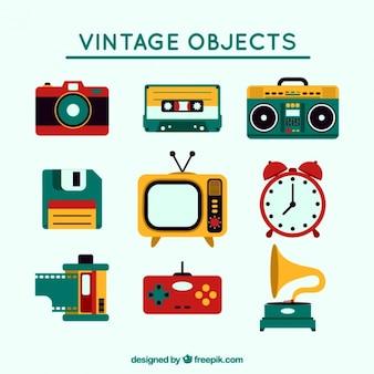 Stel vintage gekleurde voorwerpen