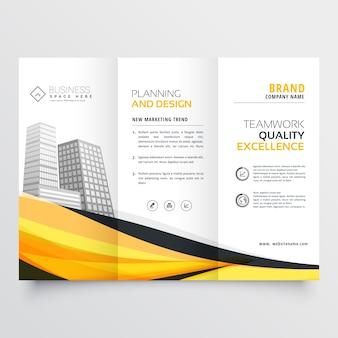 Stijlvolle gele golf driebladige brochure ontwerp sjabloon voor uw bedrijf