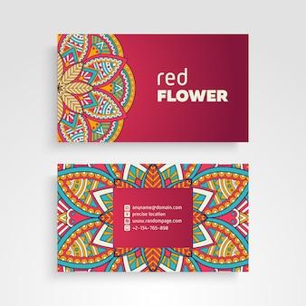 Visitekaartje. Vintage decoratieve elementen. Ornamentale bloemen visitekaartjes of uitnodiging met mandala