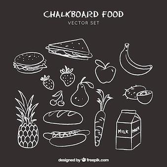 Voedsel pictogrammen doodle getrokken op bord achtergrond