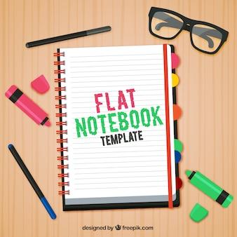Werkplek met een notebook en accessoires