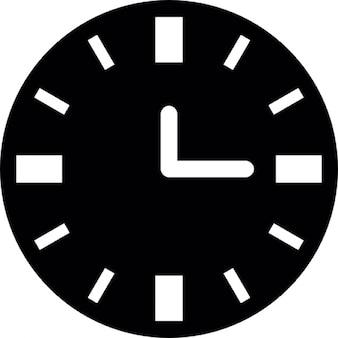 Zegar czarne tło z białymi dodatkami