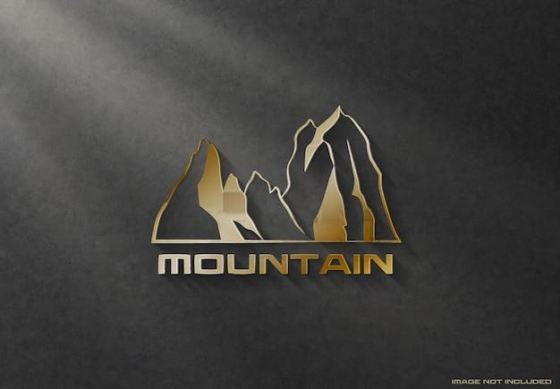 3d błyszczący złoty znak logo na makiecie ciemnej ściany