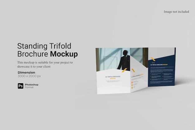A5 trifold broszura makieta projekt na białym tle