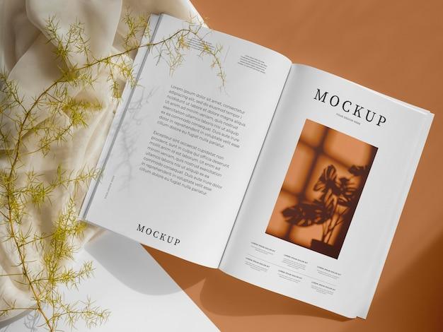 Aranżacja z magazynkiem i liśćmi