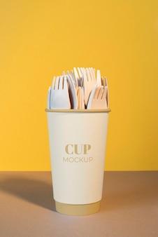 Asortyment jednorazowych elementów kawiarni