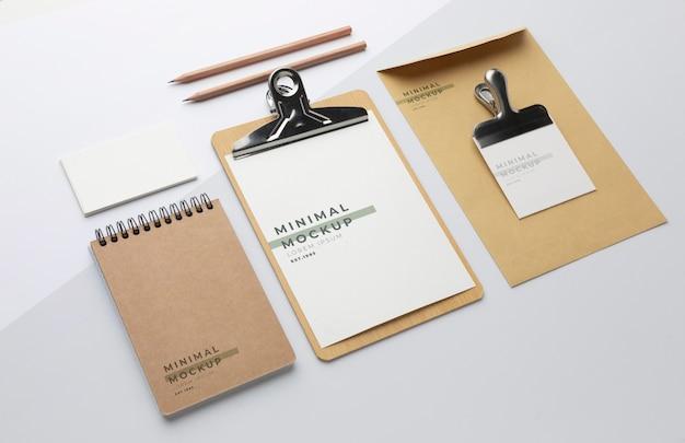 Asortyment nowoczesnych materiałów biurowych