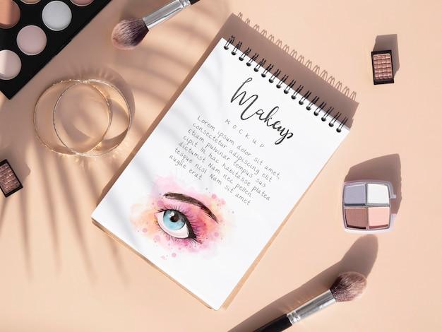 Asortyment produktów kosmetycznych z widokiem z góry