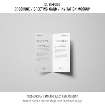 Bi-fold broszura lub zaproszenie makieta
