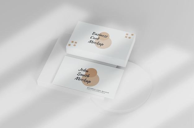 Biała minimalistyczna makieta wizytówki