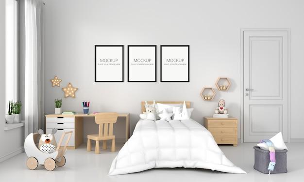 Biała sypialnia dziecięca z makietą ramy