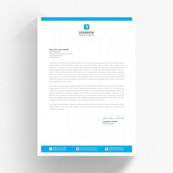 Biały szablon papieru firmowego z niebieskimi detalami