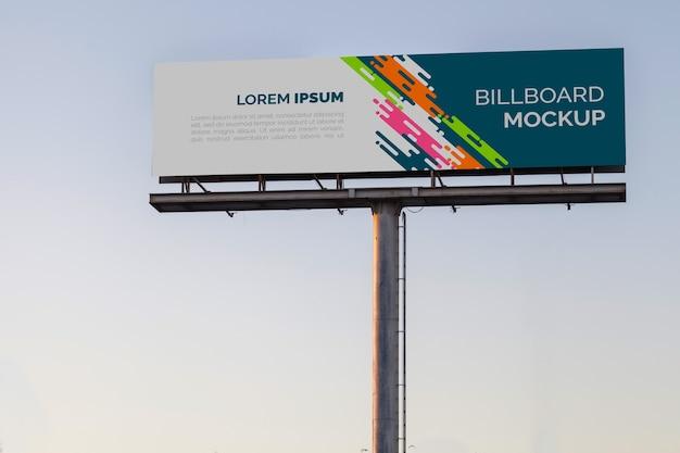 Billboard makieta na zachód słońca niebo
