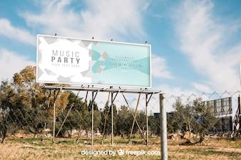 Billboard makieta za metalowe ogrodzenie