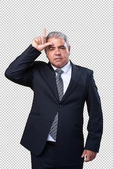 Biznesowy mężczyzna robi luźnemu gestowi