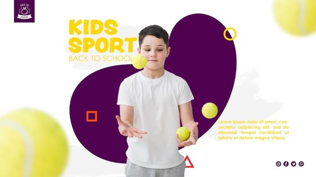 Chłopiec żongluje piłkami tenisowymi