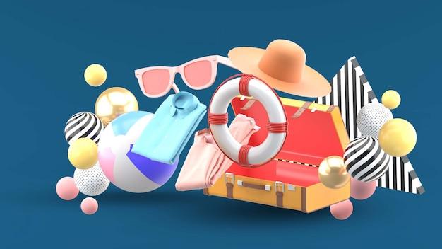 Czapki, ubrania, okulary przeciwsłoneczne i gumowe pierścienie odpływają z bagażu na niebiesko