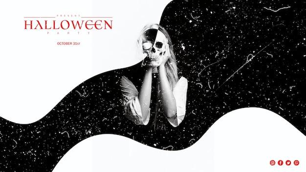 Czarno-biały efekt na kobietę trzymającą czaszkę