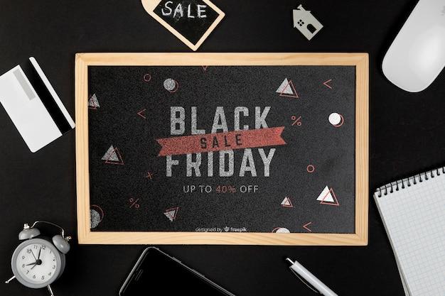 Czarny piątek koncepcja makiety na czarnym tle