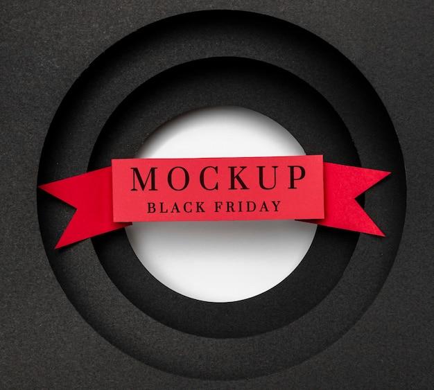Czarny piątek makieta z czerwoną wstążką