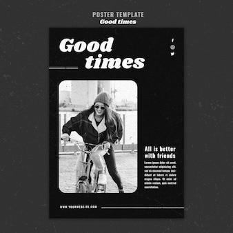 Dobre czasy kobieta jedzie plakat rowerowy