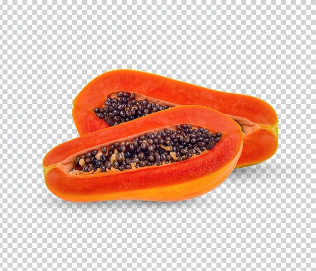 Dojrzała papaja w plasterkach na białym tle