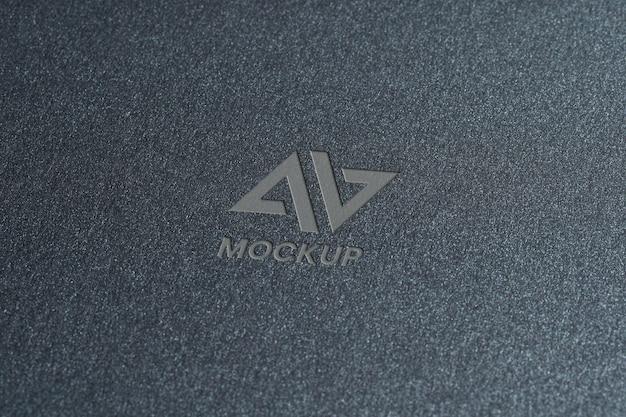 Dokumenty z eleganckim projektem logo makiety