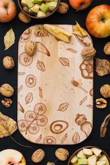 Drewniana deska makieta z jesień pojęcie