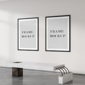 Dwa czarne puste plakaty na ścianie