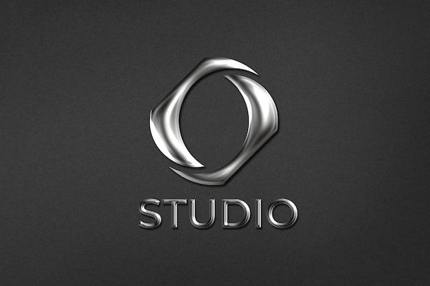 Edytowalne metalowe logo biznesowe psd w wytłoczonym stylu