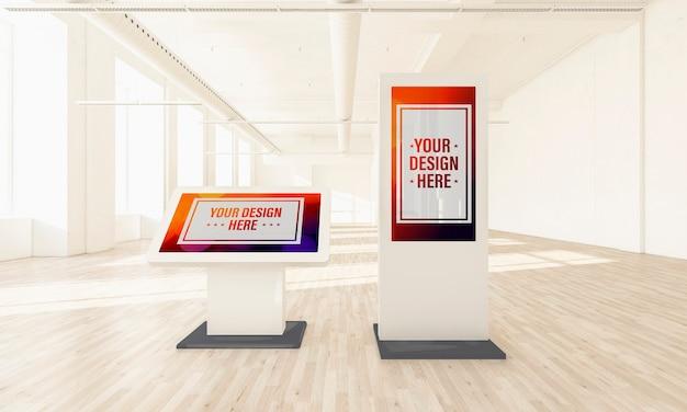 Ekrany dotykowe na minimalnej makiecie hali