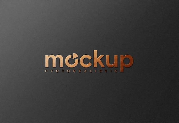 Elegancka makieta logo na czarnym papierze