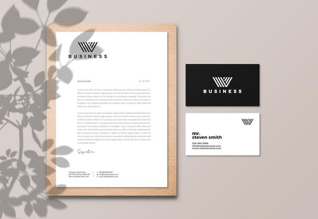 Elegancki papier firmowy i makieta wizytówki