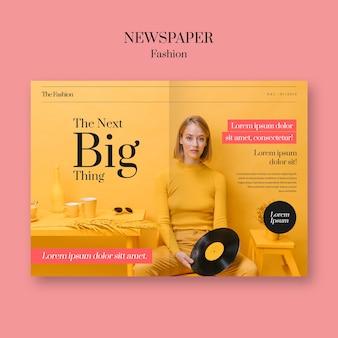 Gazeta mody kobieta i płyta winylowa