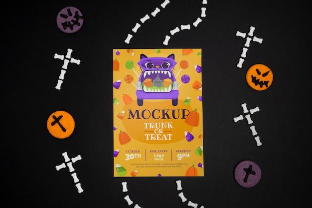 Halloweenowa aranżacja z makietą karty