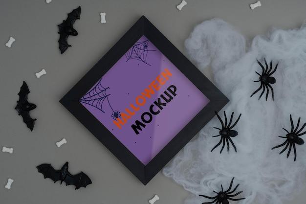 Halloweenowa kompozycja makiety granicy