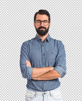 Hipster młody człowiek z rękami skrzyżowanymi