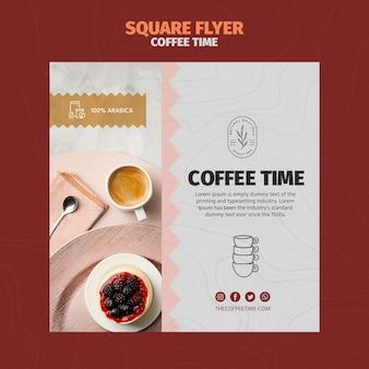 Kawa w filiżance i pyszne ciasto kwadratowe szablon ulotki