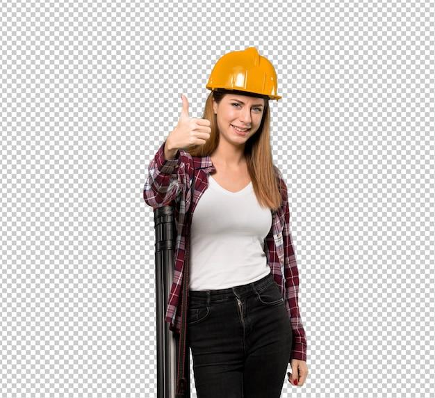 Kobieta architekt z kciukami, bo stało się coś dobrego