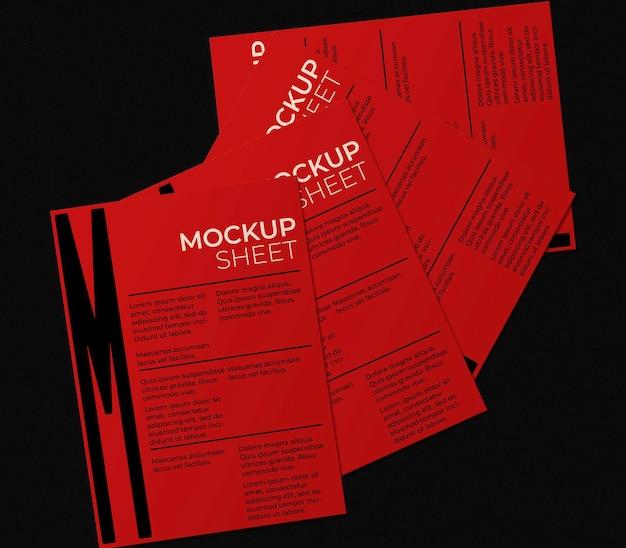 Kolekcja makiet czerwonych arkuszy na biurku