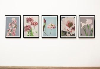 Kolekcja sztuk kwiatowych sztuk na ścianie