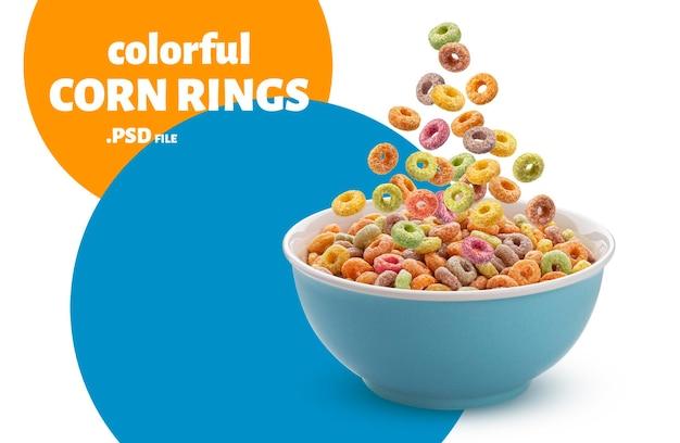Kolorowe pierścienie kukurydzy na białym tle