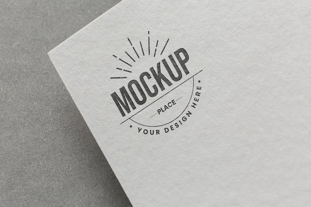 Kompozycja z makietą karty firmowej