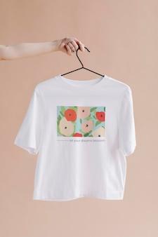 Koszula W Kwiatowy Wzór Darmowe Psd
