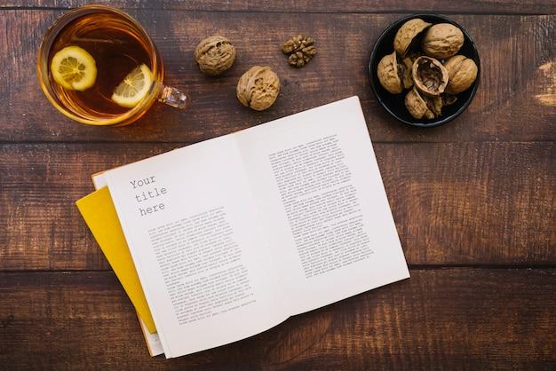 Książka makieta na dzień piśmienności