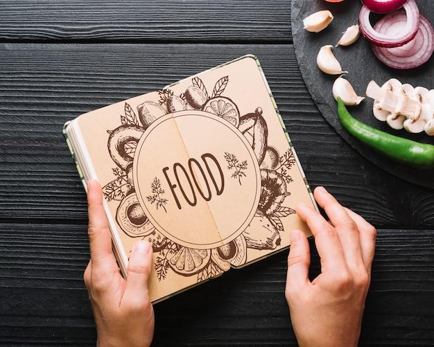 Książka makieta z koncepcją żywności