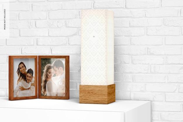 Kwadratowa drewniana lampa stołowa z makieta ramki na zdjęcia
