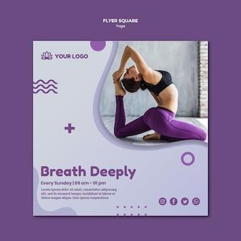 Kwadratowa ulotka z koncepcją jogi